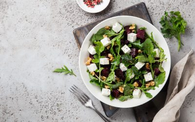 Salade fraîche roquette, féta, Noix du Périgord